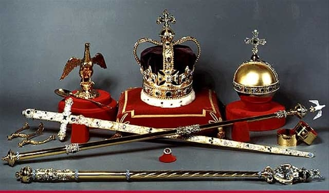 how important was the crown in